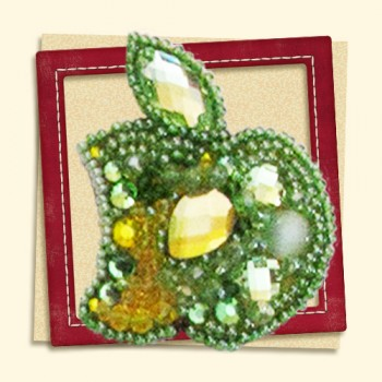 Brooch -green-apple