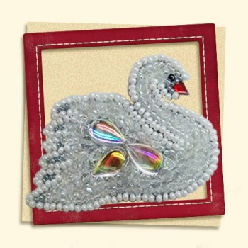 "Brooch-""White-Swan"""