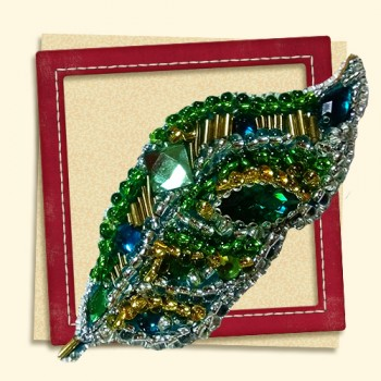 Brooch-Green-leaf